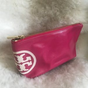 **SOLD** ••••• TORY BURCH pink vinyl cosmetic bag